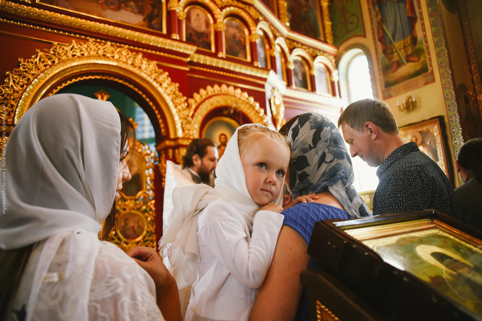   Фотограф на крещение в Киеве   Фотосессия церемонии крещения Киев   крещение Киев   фотограф на крестины Киев   крестины Киев  